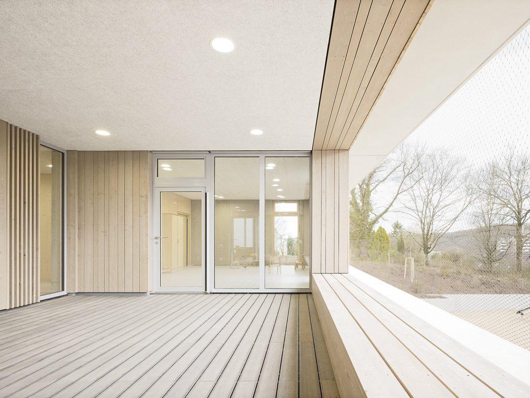 Kinderhaus-Kirchhaldenschule-Loggia_Edelstahlnetz